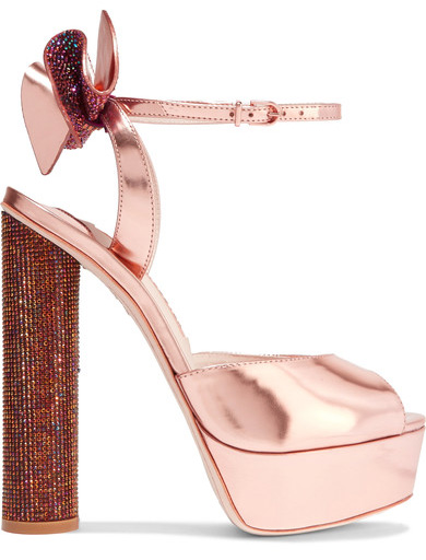 glitter heel on shoe with bow