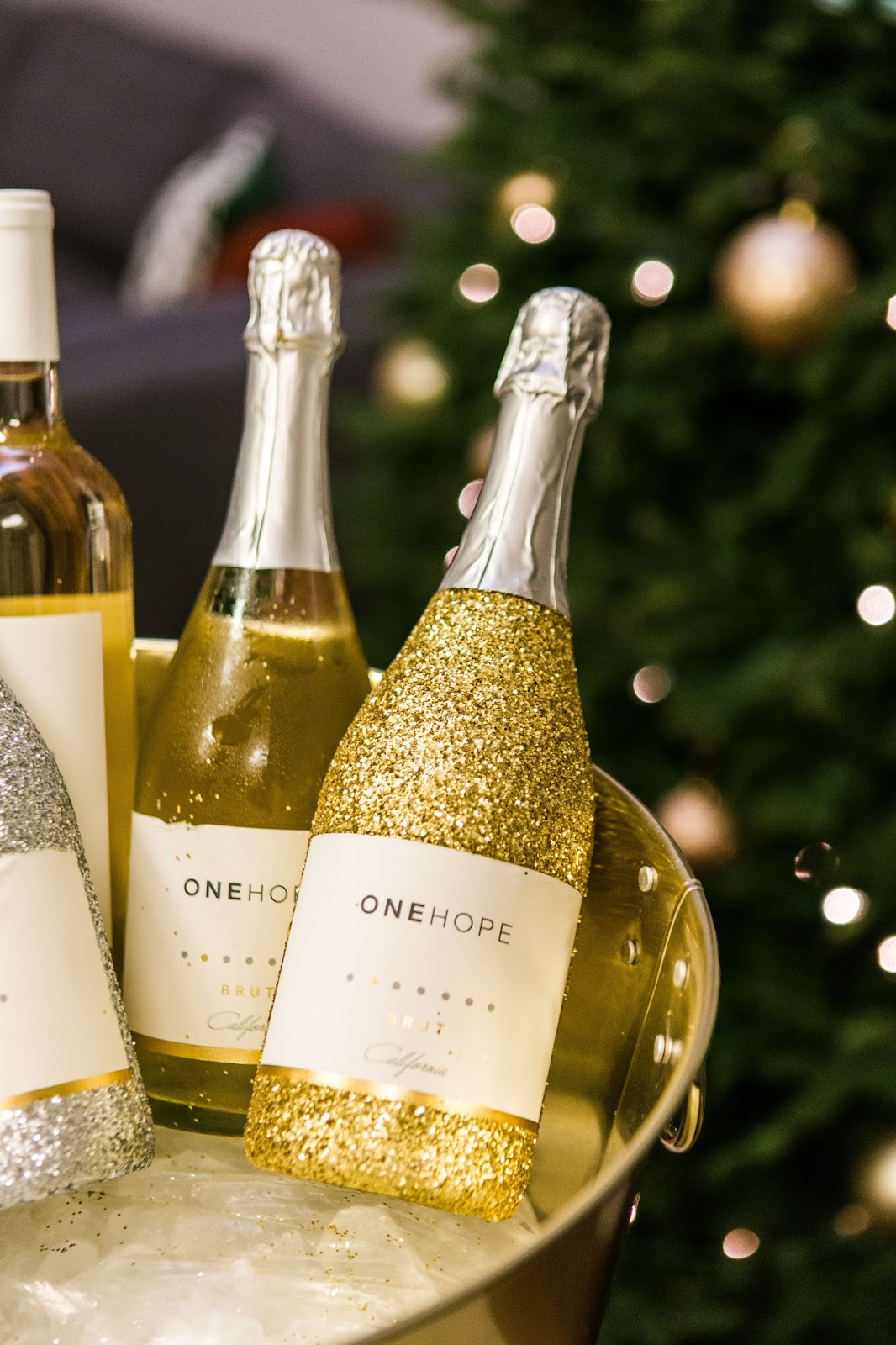 one hope glitter champagne, glitter, nye champagne, pop bottles