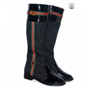 every_girl_needs_one_of_these_five_cheap_designer_shoes_for_winter_11
