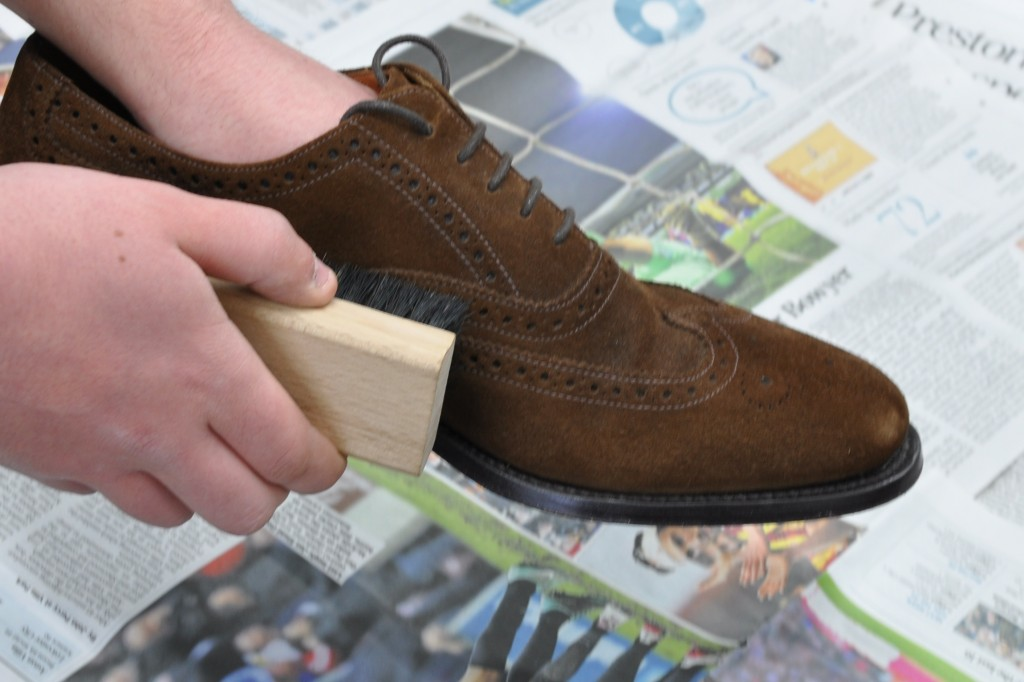 Some Tips for Clean Suede Shoes Correctly